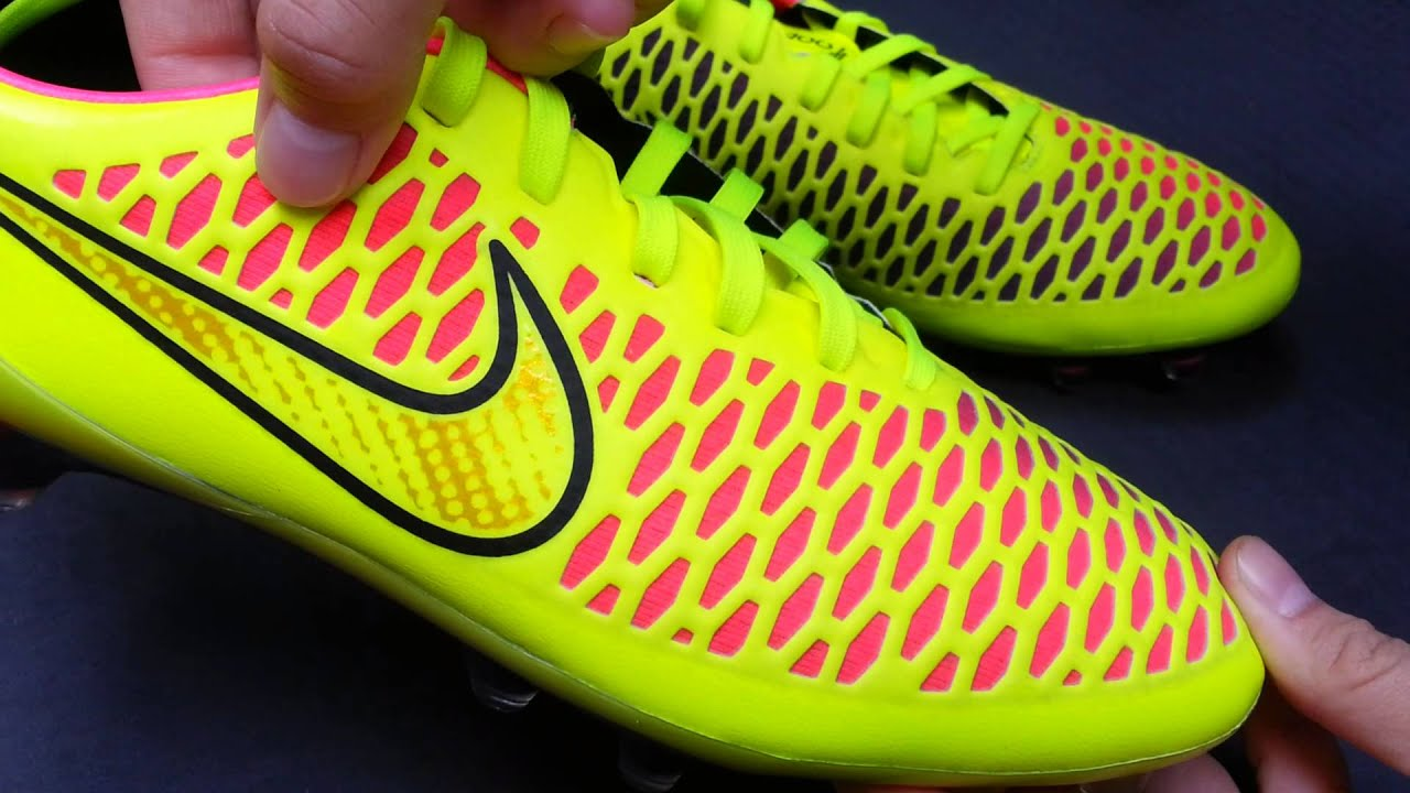 6e40a5ae5309 รีวิว Nike Magista Opus FG Volt/Hyper Pink Unboxing by Nuu May