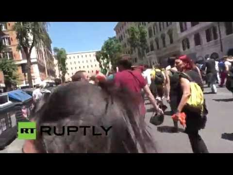 LIVE: Antifa holds counter-protest against far-right CasaPound demo in Rome