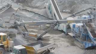 McCabe Earthworks - High psv chip plant crushing gritstone to produce 14mm down products.