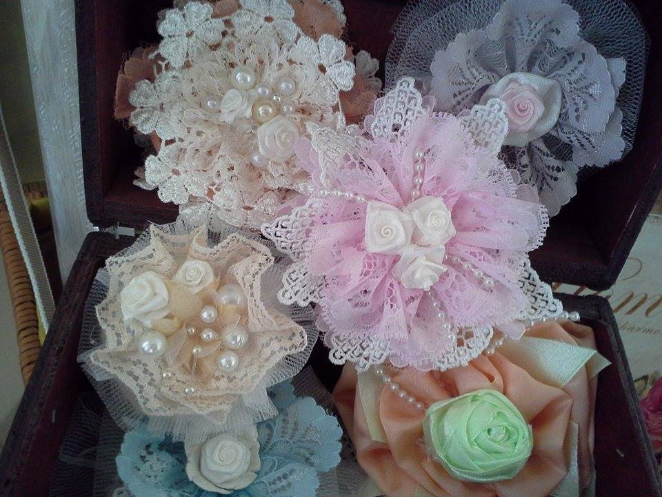 Shabby chic flowers with beautiful center pieces tutorial