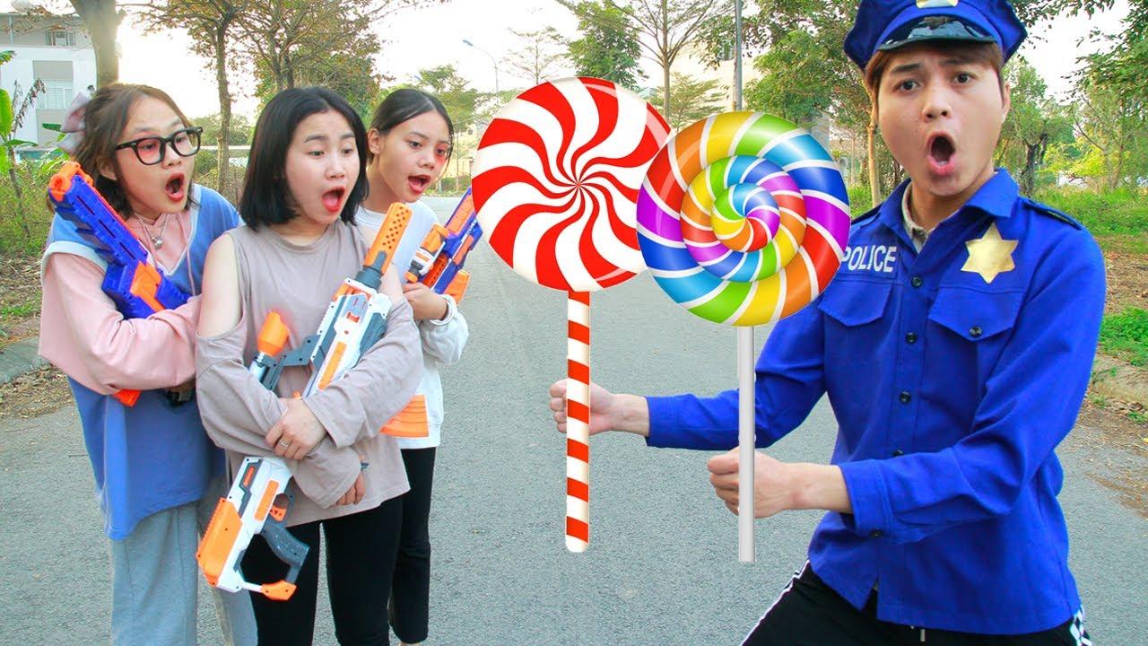 Bibonbon Nerf War: Hero Police Nerf Guns Fight Robber Chupa Chups Lollipops Battle