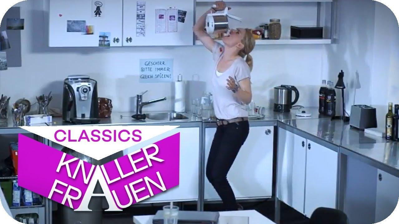 Tea to go - der perfekte Tee in 30 Sekunden  [subtitled] | Knallerfrauen mit Martina Hill