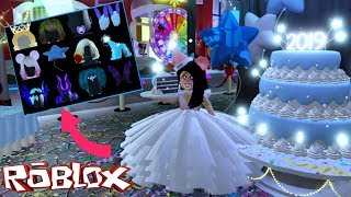 ROYALE HIGH🎉 FINDING ALL FREE ACCESSORIES OF 2019 - ROBLOX