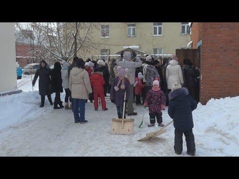 Жители Лосино-Петровского вышли на субботник