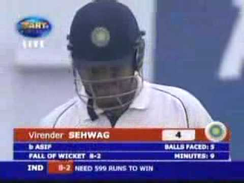 Virender Sehwag gets OWNED by Mohammed Asif