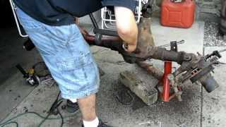 Repeat youtube video Wagoneer Dana 44's: Part 1 Initial disasembly