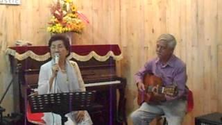 Những Giọt Mưa Khuya - Mrs.Hồng Châu (Grace Acoustic Coffee)