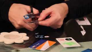 4 crafty ideas for recycling old credit cards