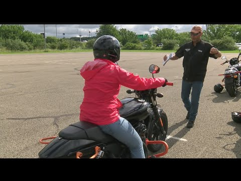 Investigative Reporter Amanda Smith learns what it takes to get a motorcycle license pt. 2
