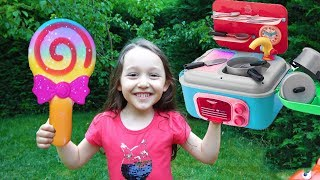 Öykü Pretend Play Toy Kitchen Cooking and my Mom For fun kid video