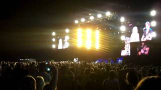 """Keith Urban and Miranda Lambert cover """"Take Me Home, Country Roads"""""""