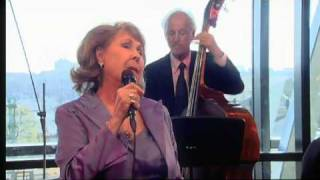 Rita Reys - Frederick K. Hollander, Ralph Freed/ You Leave Me Breathless