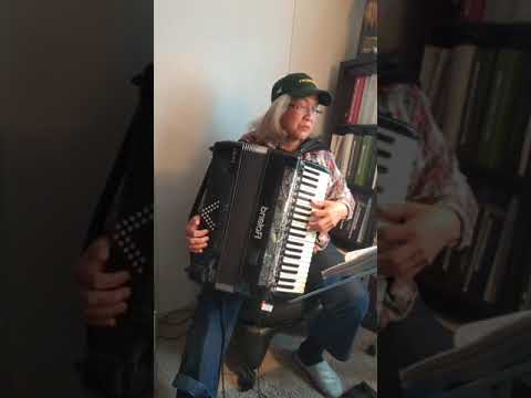 Liz Wisler 1st FB Live Performance 03.27.20 During The Cornoa Virus Lock Down In Oregon.