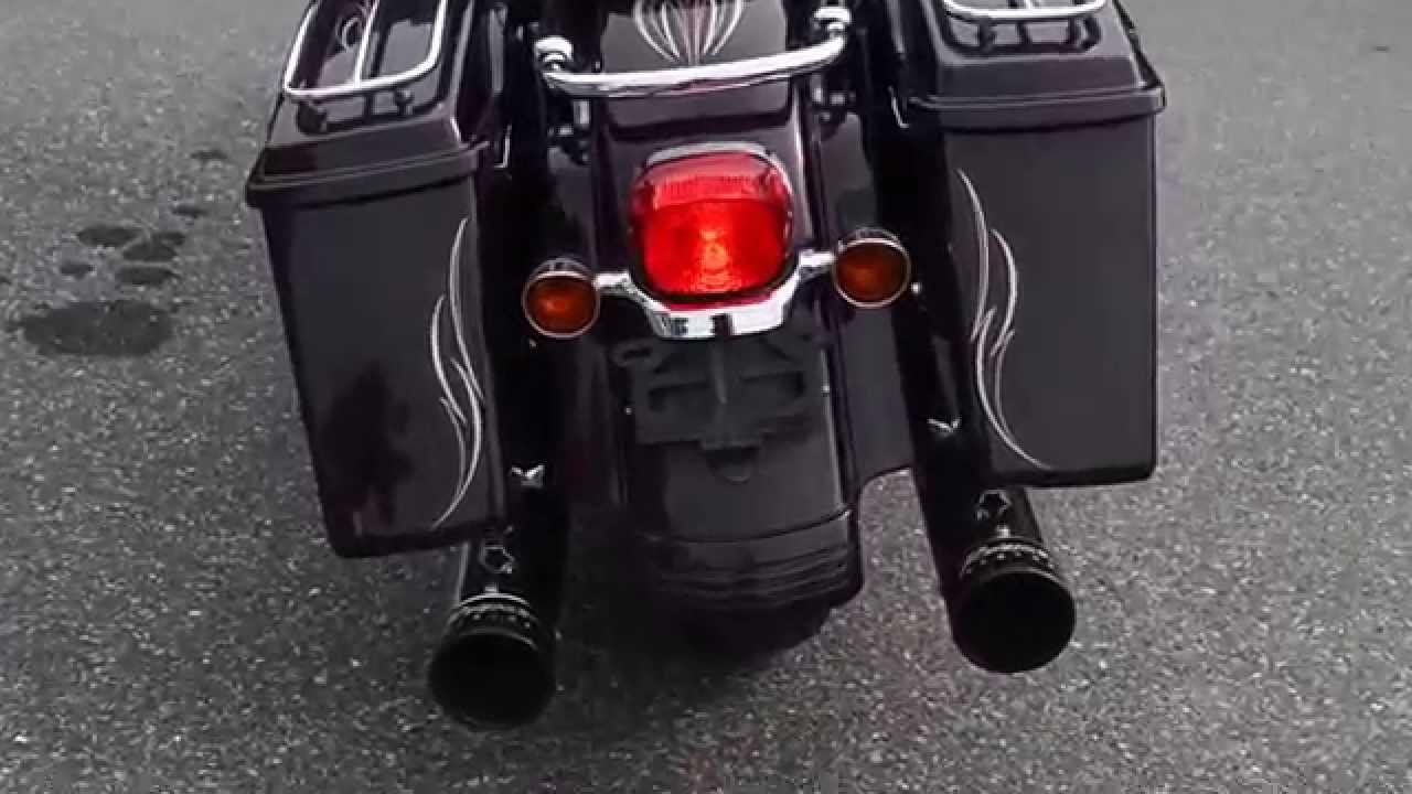 Harley Davidson Street Glide Pinstriping