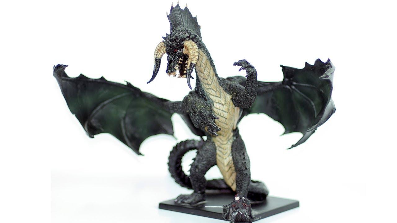 Figure Review of the D&D Icons Gargantuan Black Dragon