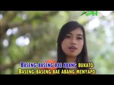 Download LAGU DANGDUT JAMBI - Moniq - BASENG BASENG BAE  ♪♪ Official Music Video - APH ♪♪