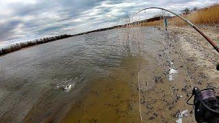 ЭТО СУДАЧЬЕ ЛОГОВО ТАНЯ ЖЖЕТ Спиннинг 2020 Рыбалка в марте 2020