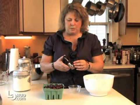 How to Make a Fresh Sour Cherry Pie
