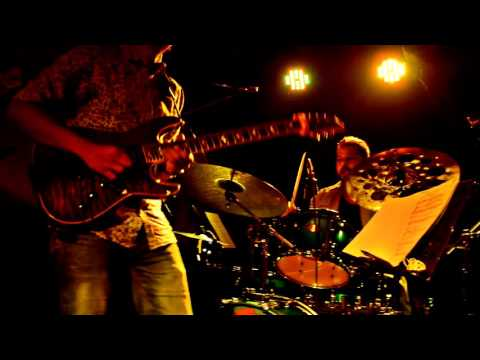 Louiz Banks Guitar Synergy - Howrah Bridge (LIVE)
