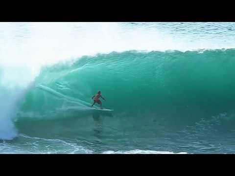 CODY STEPHENSON SURFING PADANG PADANG