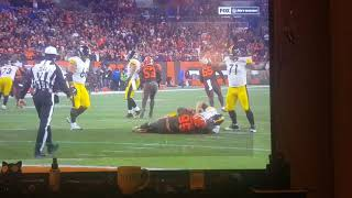 Cleveland Browns beating up Pittsburgh Steelers