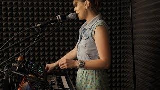 Gambar cover Nastya Maslova - Live looping set for Pop music ru