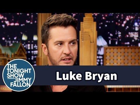 Luke Bryan Left Chris Meloni Hanging in a HighFive Diss
