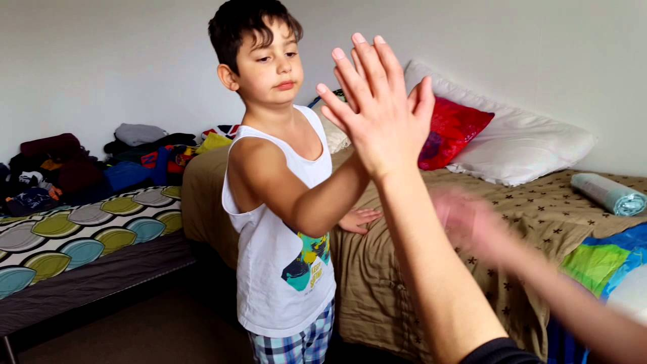8 Year Old Boy Huge Hands Comparing To A 15 Year Old Guy -3700