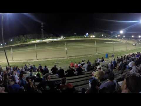 Dirt track racing Delaware International Speedway