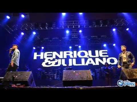 Olha o que eles fizeram, Henrique e Juliano se molham e fazem show espetacular em Af. Da Ingazeira
