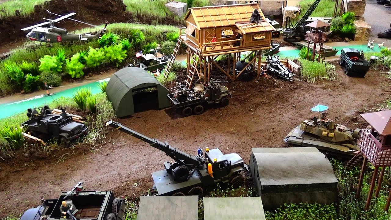 Jungel-Camp RC Tank, RC Military Trucks, RC Army Crane on a Huge Battelfield