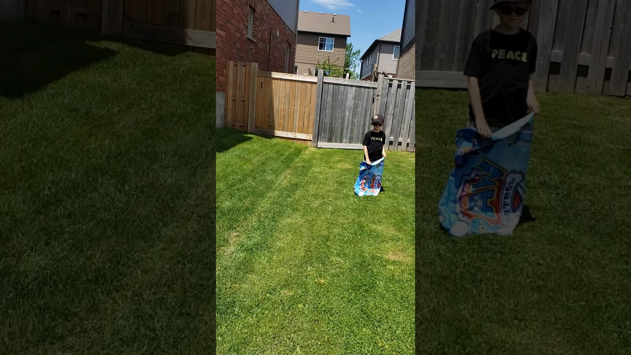 how to play sack race game