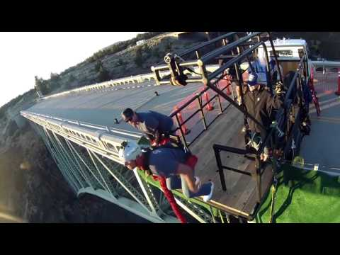 bungee-jumping-oregon---250-foot-plunge-over-the-crooked-river-gorge-near-bend,-oregon