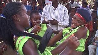 Nigeria - The spirit of African dancing