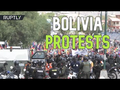 5 dead amid Bolivia's violent clashes between pro-Morales supporters, police & military