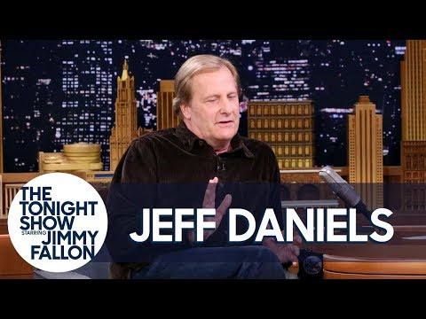 Jeff Daniels Made a DeathDefying Leap Between Two Galloping Horses