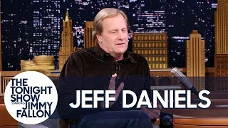 Jeff Daniels Made a Death-Defying Leap Between Two Galloping Horses