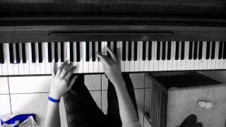 how to play walking in the rain on piano