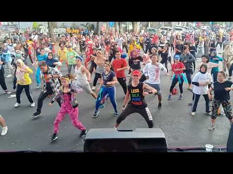 Flashmob Dance Film BEBAS - Ijen CarFreeDay Malang