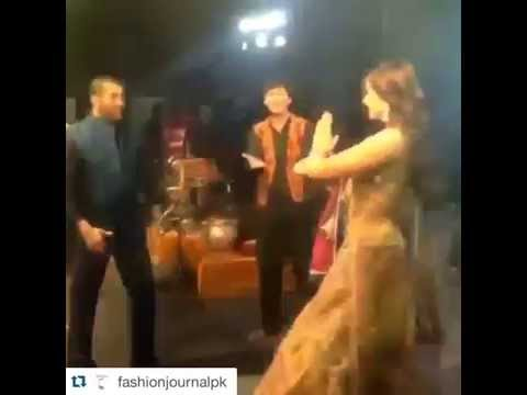 Salman And Sonam Kapoor Dancing On Prem Ratan Dhan Payo - Must Watch -Funny Moments