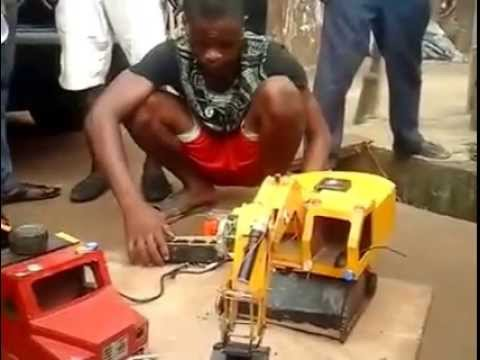 Biafran youngest technologist demonstrating