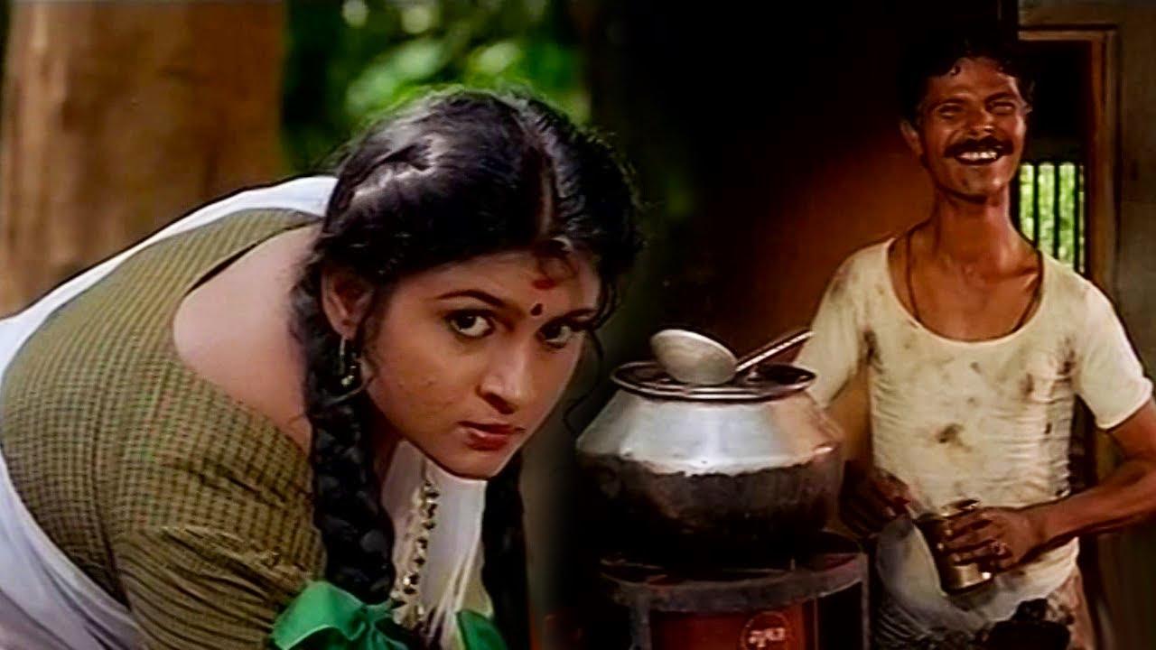 ഈ നീർക്കോലിക്ക് വായിനോട്ടം കൂടുന്നുണ്ട് ഒറ്റ പെണ്ണിനെ വഴിയേ വിടില്ല | Indrans | Malayalam Comedy