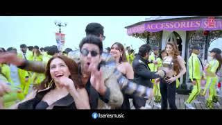 Thumka Pagalpanti new song WhatsApp status    Thumka YO YO Honey Singh WhatsApp status