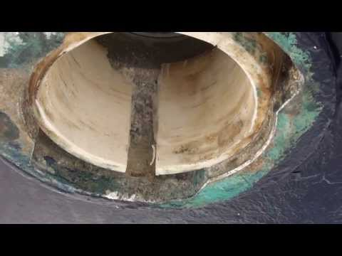 Bavaria yacht rudder bearing and anode change on a 37 ft boat