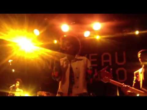 Solange - Crush live (musicfeelings.net)