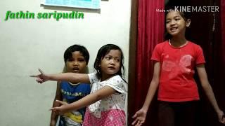 Download Mp3 Trio Riweh Makan Daging Ayam Dengan Sayur Kol,