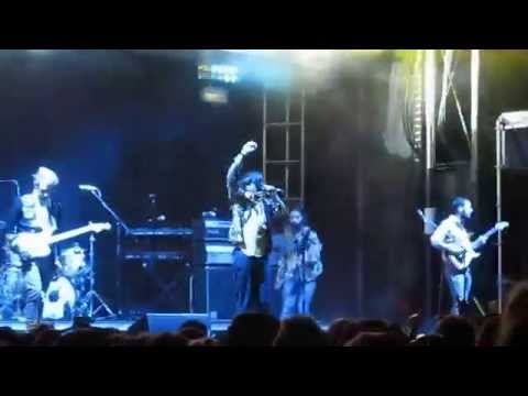 """Young The Giant - """"Teachers"""" Live At LouFest 2015"""