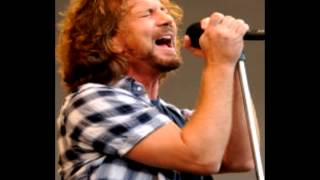 Watch Eddie Vedder The Times They Are A Changing video