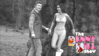 Benny Hill - Daydreaming In The Woods 'Closing Chase' (1971)