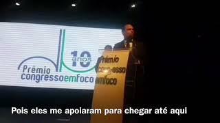 1min do discurso de Eduardo Bolsonaro no prêmio Congresso em Foco (legendado)